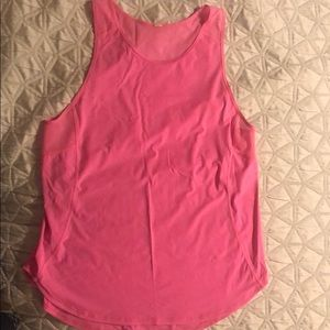 Lululemon pink tank.